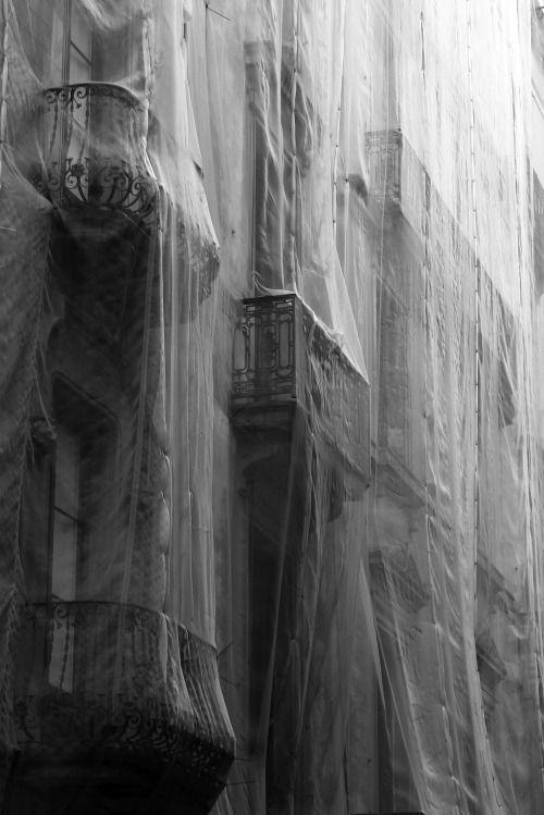 Barcelona shrouds